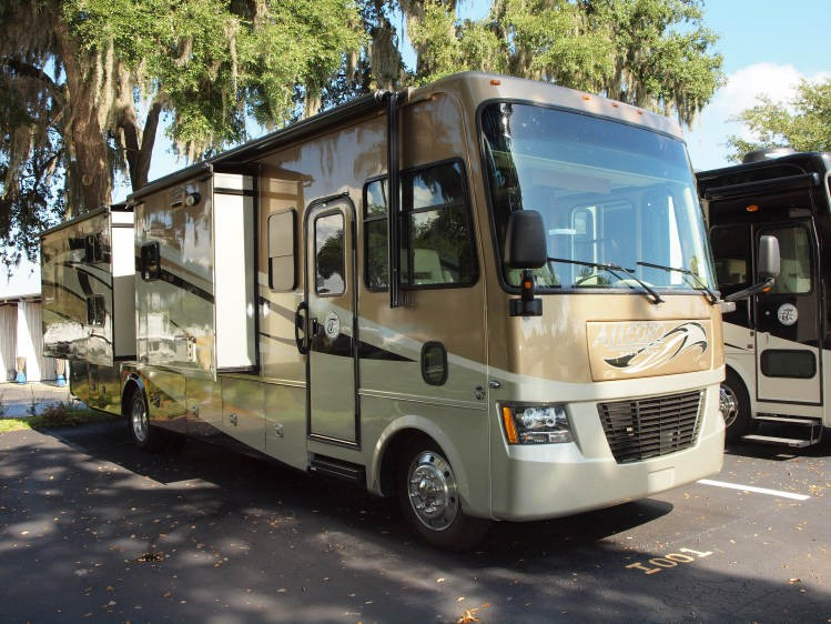 vente camping car usa occasion. Black Bedroom Furniture Sets. Home Design Ideas